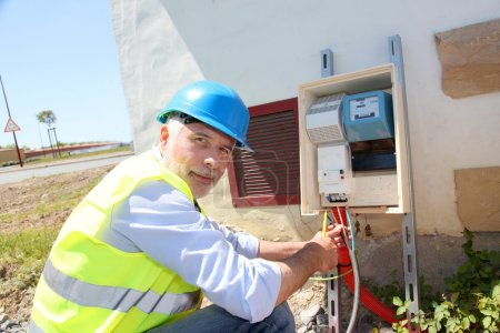 Electrical engineer on building site