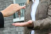 Closeup en manojo de llaves de casa