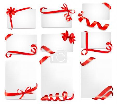 Ilustración de Conjunto de hermosas tarjetas con arcos de regalo roja con el vector de cintas - Imagen libre de derechos