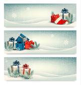 Vánoční zimní bannery s dárky. vektor