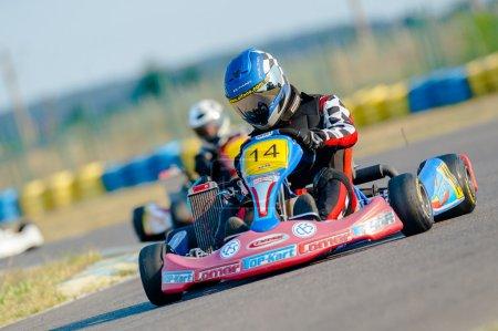 Kart pilots competing