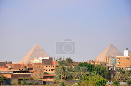 Photo pour L'une des destinations touristiques les plus populaires au monde, les pyramides antiques de Gizeh, Le Caire - EGYPTE - image libre de droit
