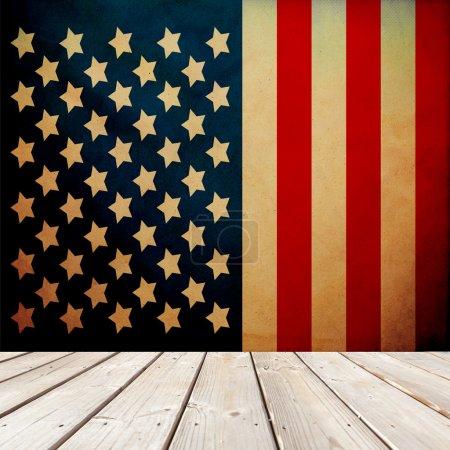 Photo pour Chambre patriotique (avec papier peint rétro ) - image libre de droit