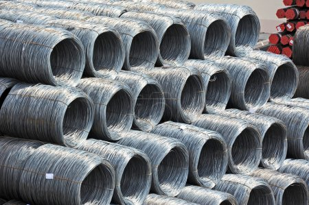 Steel wire roll and pipe
