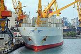Last kran och fartyg