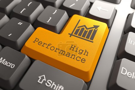 Photo pour Bouton orange haute performance sur le clavier de l'ordinateur. concept d'affaires. - image libre de droit