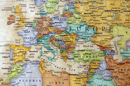 Photo pour Carte de la France Espagne Italie et autres pays européens - image libre de droit