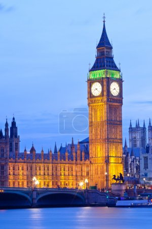 Photo pour Tour de l'horloge Big ben, chambre du Parlement de westminster, Londres Angleterre uk - image libre de droit