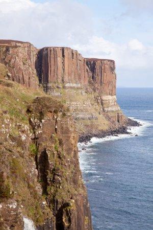 Photo pour The kilt rock Waterfall Isle of skye highlands Écosse Royaume-Uni - image libre de droit