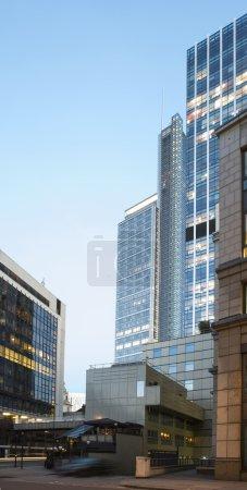 Photo pour Bâtiments contemporains dans la ville de Londres - image libre de droit