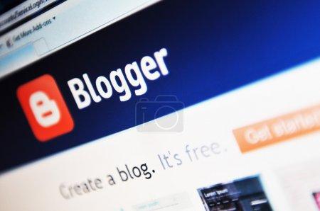 Photo pour Logo du blogueur et page d'accueil sur Internet - image libre de droit