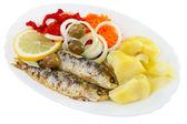 Smažené sardinky se zeleninou
