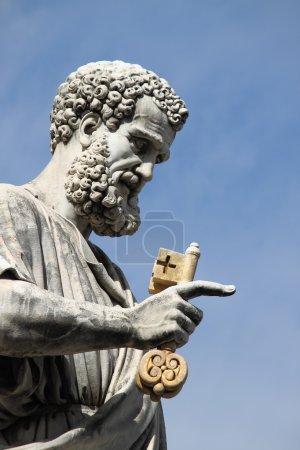 Photo pour Statue de Saint Pierre Apôtre dans l'Etat de la Cité du Vatican - image libre de droit