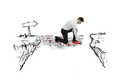 Photo pour Homme d'affaires dessin abstrait pont l'écart - image libre de droit