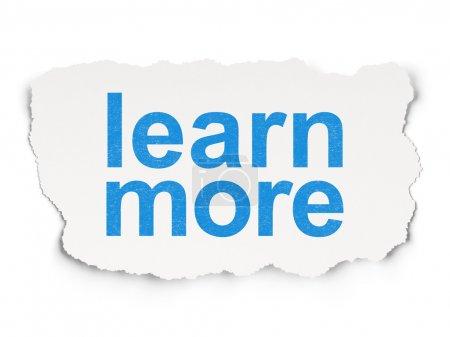 Photo pour Le concept de l'éducation : papier déchiré avec les mots en savoir plus sur fond de papier, rendu 3d - image libre de droit