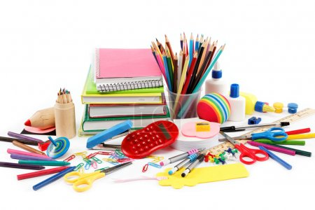 Photo pour Fournitures scolaires et de bureau sur fond blanc. Retour à l'école. - image libre de droit