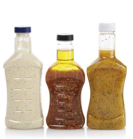Photo pour Assortiment de bouteilles de vinaigrette - image libre de droit