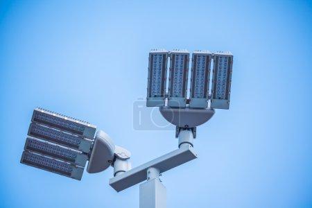 Photo pour Lampadaires LED poteau sur fond blanc - image libre de droit