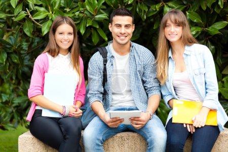 Estudiantes al aire libre
