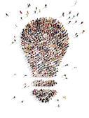 Velká skupina lidí s nápady
