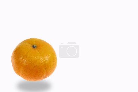 Photo pour Orange fruit isolé sur blanc - image libre de droit
