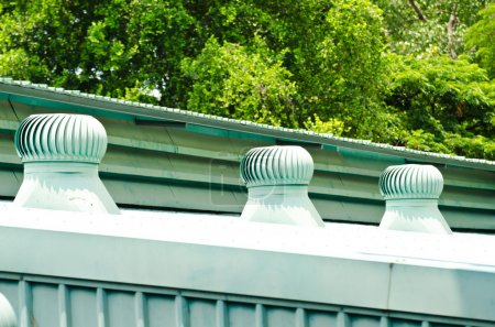 Roof turbine wind