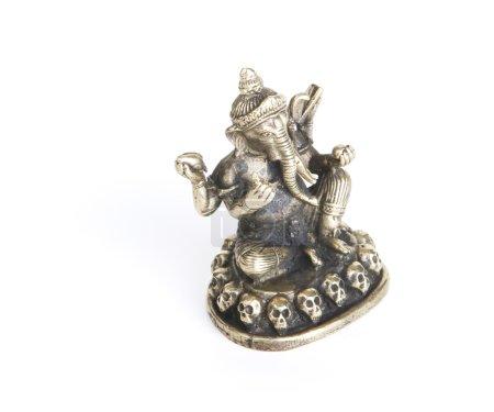Photo pour Statue Ganesh en bronze isolée sur fond blanc - image libre de droit
