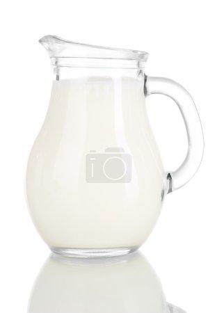 Photo pour Pichet de lait isolé sur blanc - image libre de droit