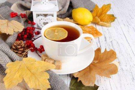 Foto de Taza de té con limón cerrar - Imagen libre de derechos