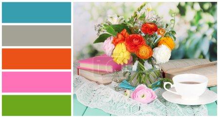 Photo pour Superbe nature morte de renoncules fleurs. palette de couleurs avec des échantillons gratuits - image libre de droit