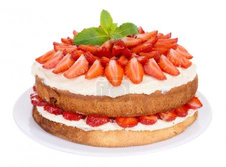 Photo pour Délicieux gâteau biscuit aux fraises isolé sur blanc - image libre de droit
