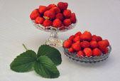 Strawberry2bowlsleaf