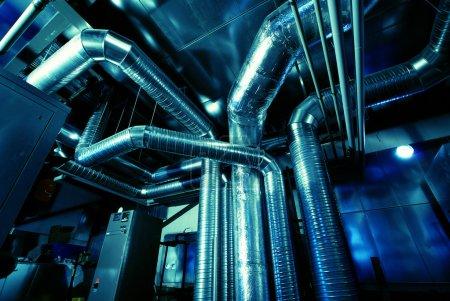 Photo pour Tuyaux de ventilation d'une climatisation - image libre de droit