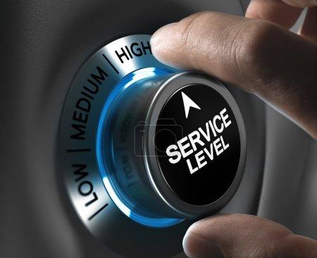 Photo pour Niveau de service du bouton pointant la position haute avec effet flou et tons bleu et gris. Image conceptuelle pour l'illustration de la performance de l'entreprise ou du client, satisfaction . - image libre de droit