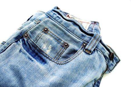 Photo pour Closeup Blue jeans - jeans bleu isolés sur blanc. collection de photos de décoration et de mode - image libre de droit