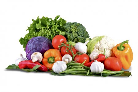 Photo for Vegetables Isolated on White. Vegetables Basket: Fresh Broccoli, Onions, Tomatoes, Paprikas, Green Beans and Other Fresh Garden Produce. Horizontal Studio Photo - Solid White Background - Royalty Free Image