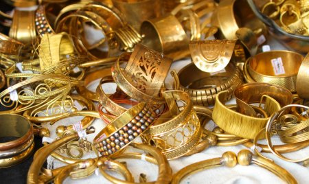 gold jewelry and precious gold jewellery for sale in jewellery