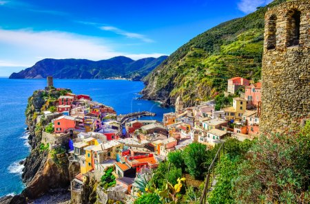 Photo for Scenic view of colorful village Vernazza and ocean coast in Cinque Terre, Italy - Royalty Free Image