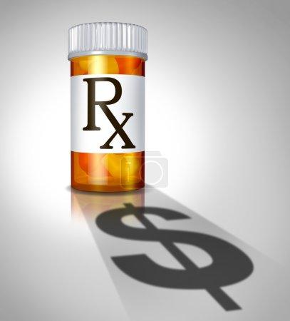 Photo pour Médecine business concept et prescription médicaments coût avec une bouteille de pilules pharmacie prescrite par un médecin, une ombre en forme comme un signe de dollar sous forme d'icône de dépenses de santé. - image libre de droit