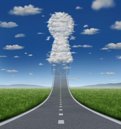 Photo pour La clé du succès croissant concept avec une route ou une autoroute va de l'avant fondre dans le ciel avec un groupe de nuages en forme d'icône de trou de serrure comme un symbole d'entreprise pour les solutions et les aspirations . - image libre de droit