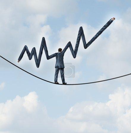 Photo pour Investissement équilibré et le concept d'entreprise de conseils financiers comme un homme d'affaires marchant sur une corde raide avec les bras étendus en forme dans un graphique de finances des bénéfices comme une métaphore de la gestion de patrimoine. - image libre de droit