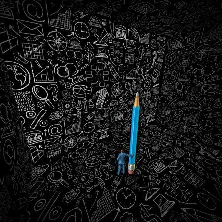 Photo pour Dessin de stratégie d'homme d'affaires comme concept d'administration des affaires avec un homme tenant un crayon géant dans une pièce avec des murs noirs avec des croquis d'icônes et de symboles financiers . - image libre de droit