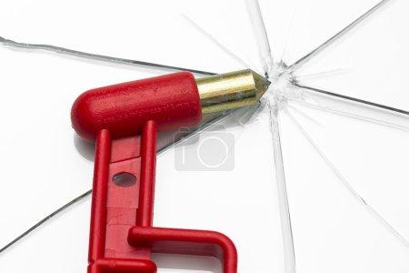 Emergency hammer red rescue disk hammer broken glass splinter danger notfal bus beating thorn window