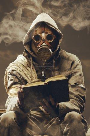 Post apocalyptic student