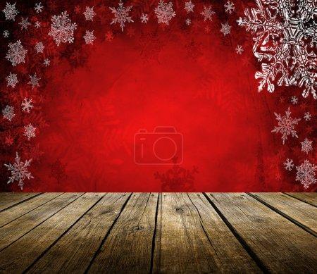Photo pour Table de terrasse en bois vide avec fond de Noël. Prêt pour le montage d'affichage du produit . - image libre de droit