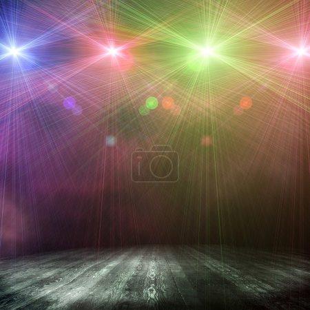 Photo pour Fond coloré dans le spectacle. Intérieur brillant avec un projecteur - image libre de droit