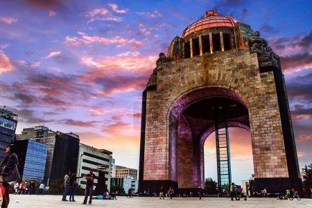 Photo pour Un des monuments plus importants à Mexico - image libre de droit