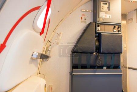 Photo pour Porte de l'avion et de la place assise standard - image libre de droit