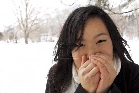 Foto de Fría y congelación mujer asiática - Imagen libre de derechos
