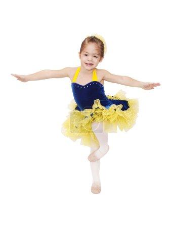 Photo pour Petite danseuse de ballet - image libre de droit
